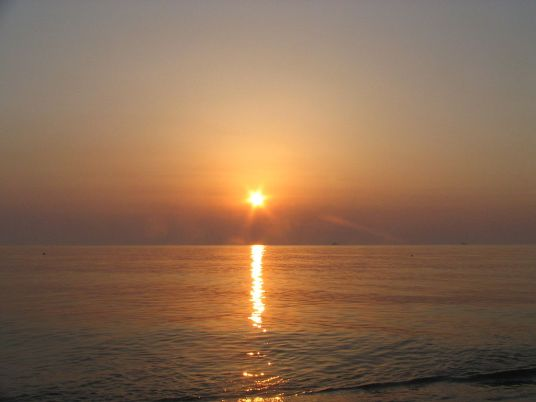 1024px-Black-Sea-sunrise