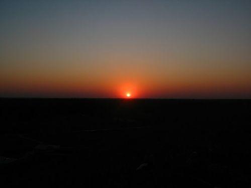 800px-Sunset_Marki